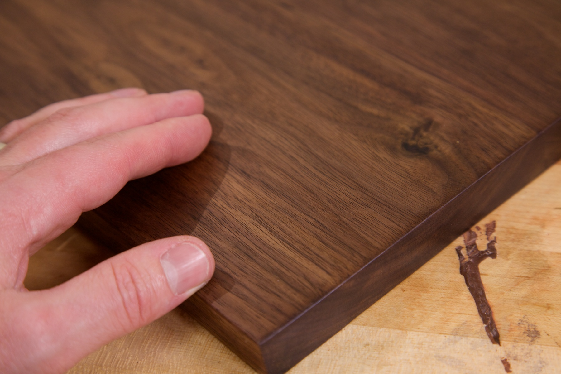 With a closer look at the finished walnut youll see that the grain is