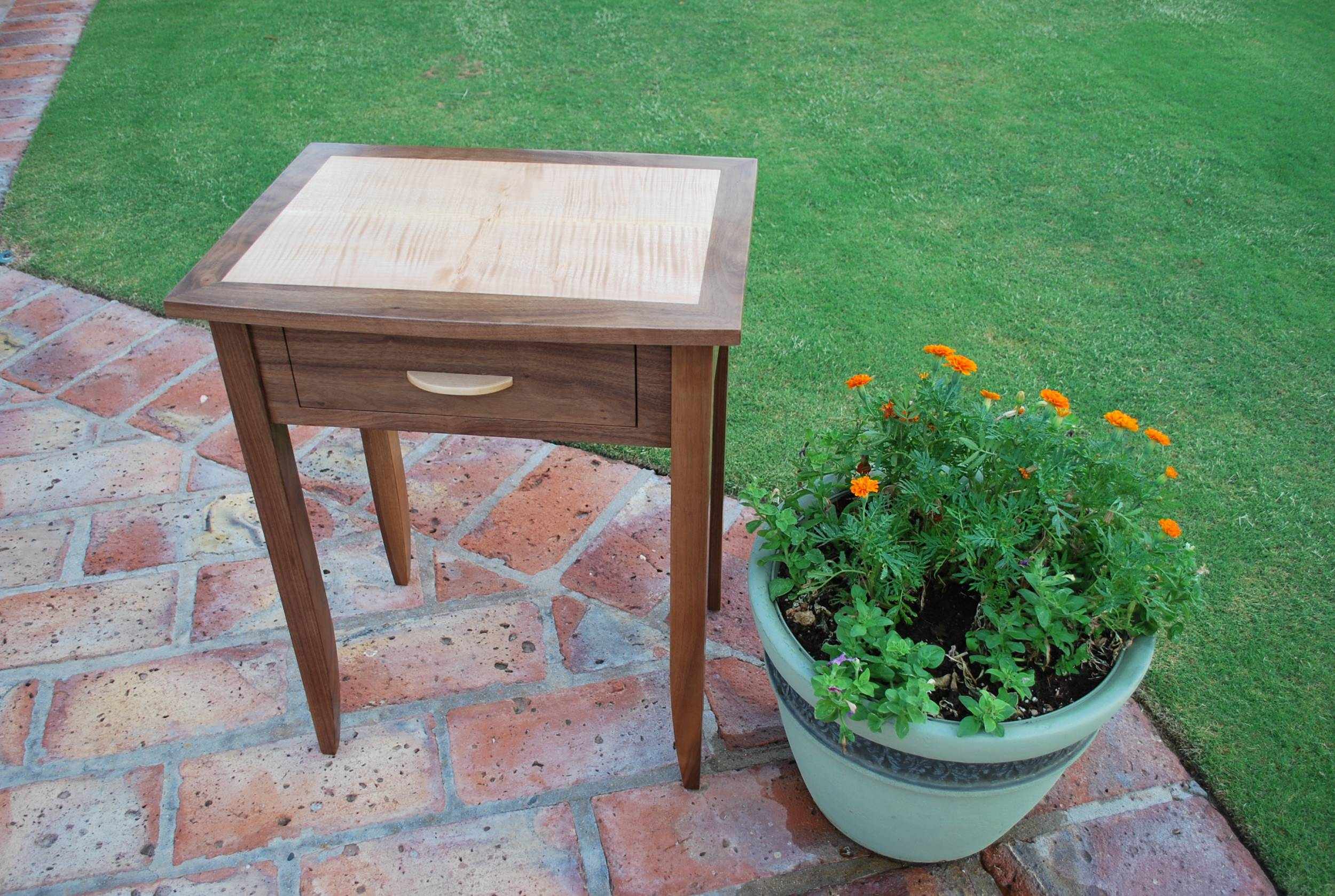 Vintage An example of a small table Shaker style table is built by Above All Woodworking and you can see a larger version it by clicking the picture