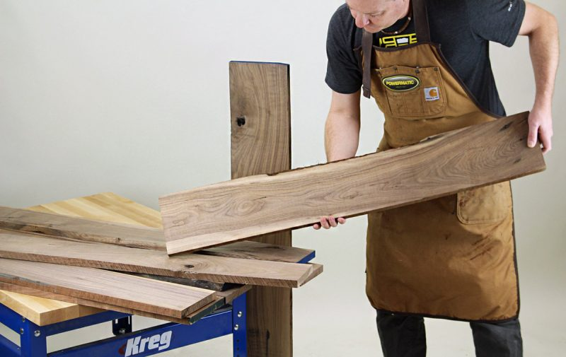selecting-walnut-lumber