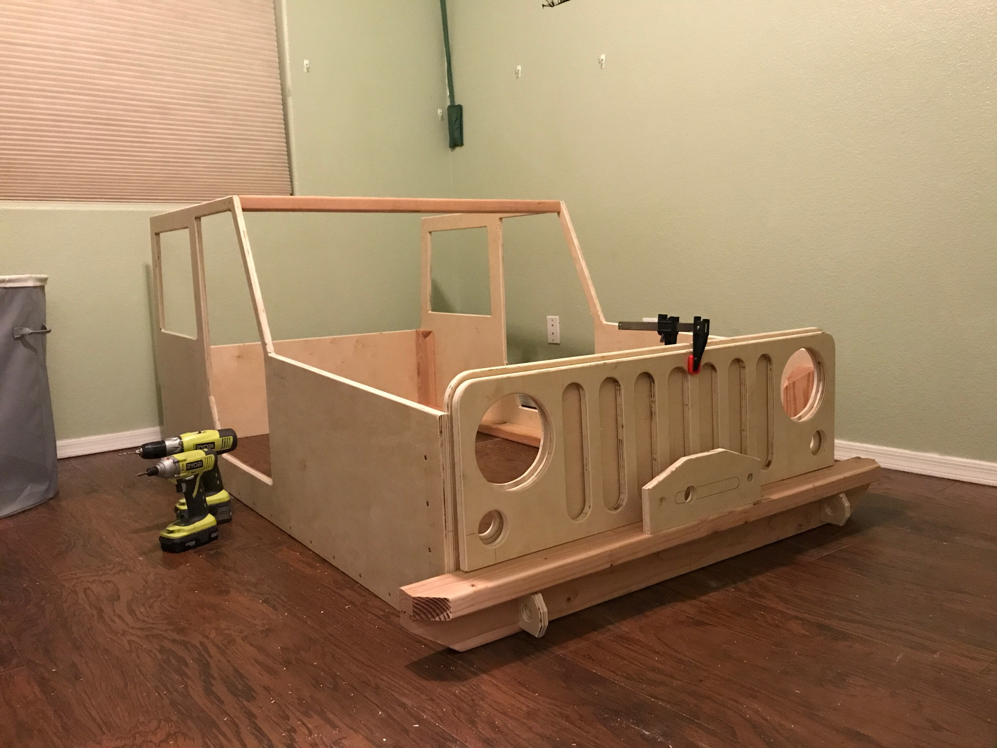On The Joys Of Building A Jeep Shaped Kid S Bed Woodworkers Source
