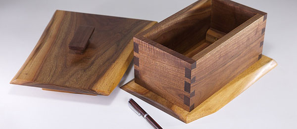 walnut dovetail box