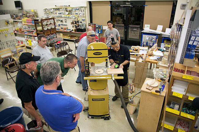 Woodworking classes on using the bandsaw